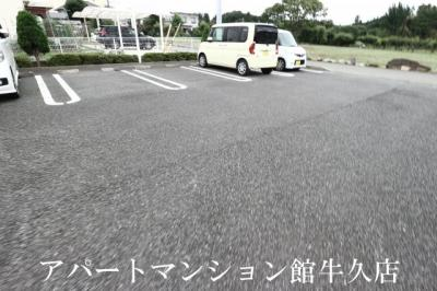 【駐車場】デスパシオ