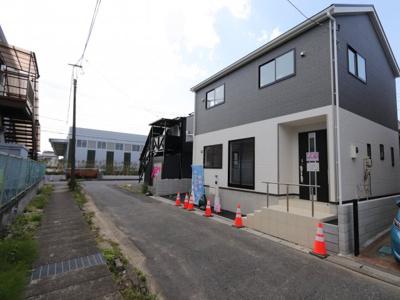 前面道路含む現地写真です 吉川新築ナビで検索
