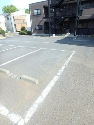 【駐車場】ヌーブエスポワール