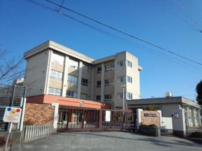 楠見東小学校 1.5km