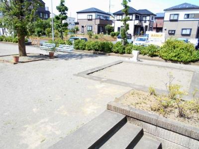 敷地内公園。