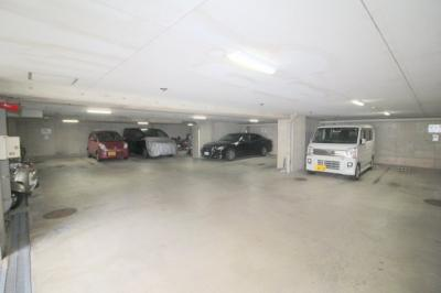 【駐車場】リブレ刀根山