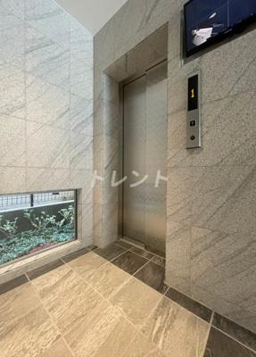 【ロビー】メゾンクラフト神田錦町