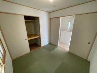 何かと便利なリビング横和室♪ 新築戸建の事はマックバリュで住まい相談へお任せください。