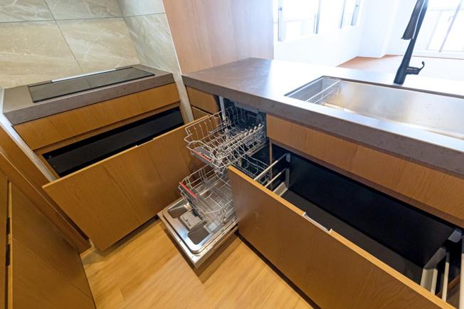 恵比寿ガーデンテラス壱番館:恵比寿駅まで雨に濡れず移動可能♪恵比寿ガーデンプレイス内のシンボルタワーです!