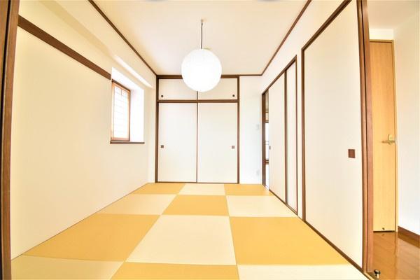 和室は日本人の心です お子様が遊ぶのにも床が柔らかく安心♪