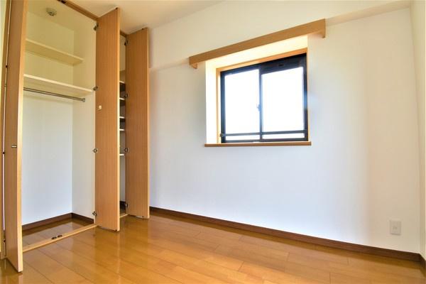 居室には収納を完備! クローゼットがあると、お部屋の中もスッキリして広く見えます!