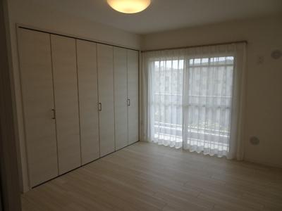 洋室3部屋は南バルコニーに面しています