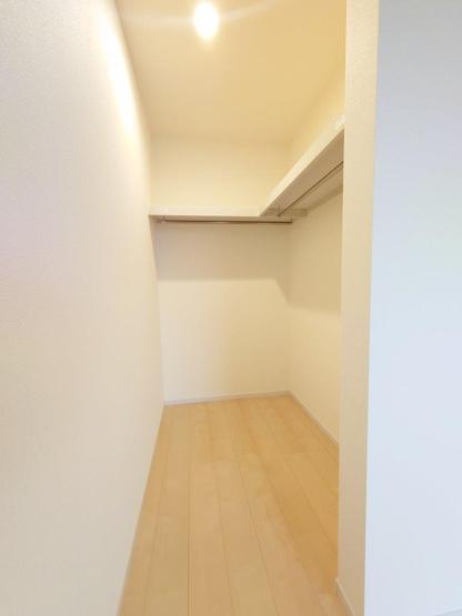 主寝室:WIC《 現地写真 》現地見学や詳細は 株式会社レオホーム へお気軽にご連絡下さい。