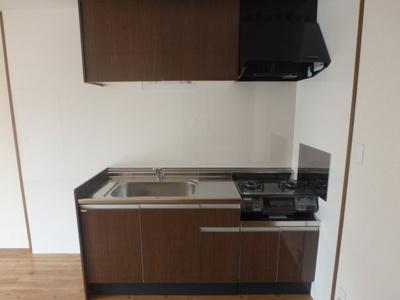 西中新田 フォンテーヌA 2LDK キッチン