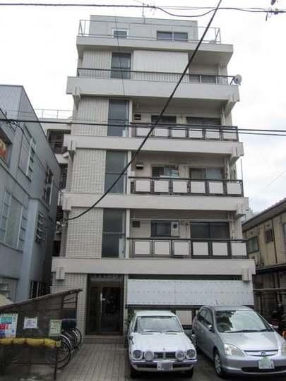 閑静な住宅街の角部屋 住環境良好 1階部分