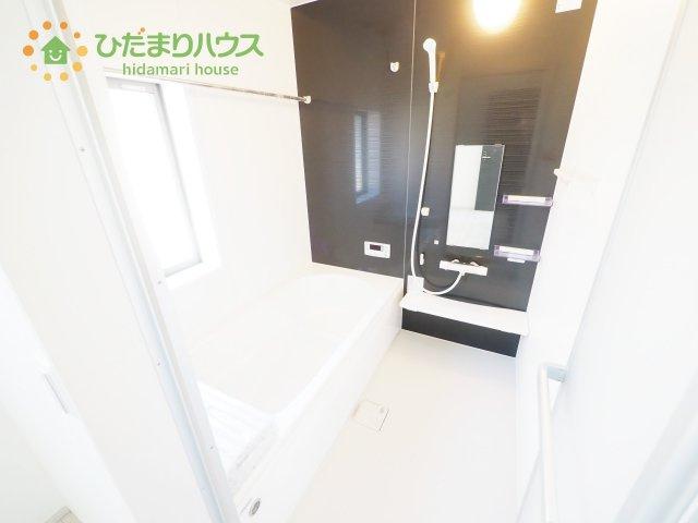くつろぎのバスルームはゆったりリラックスできる1坪タイプ♪