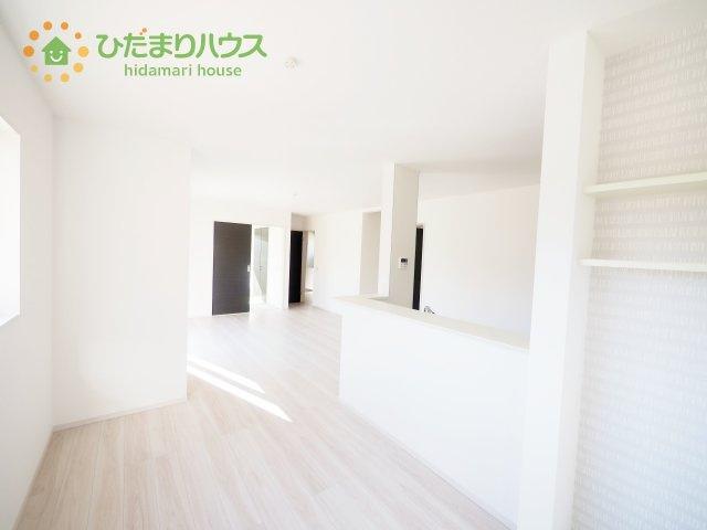 白を基調とした内装で、お部屋が広く見えます!