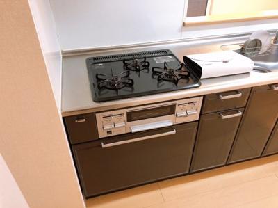 コンパクトなキッチンで掃除もラクラク 【COCO SMILE ココスマイル】同型タイプ