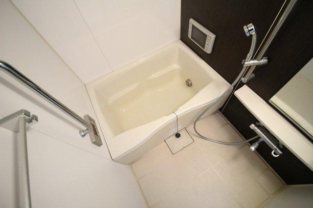 【浴室】レジェンドール心斎橋EAST