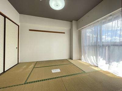 押入れのある南西向き和室6帖のお部屋です!寝具をすっきり収納できるので和室は寝室にもオススメ☆
