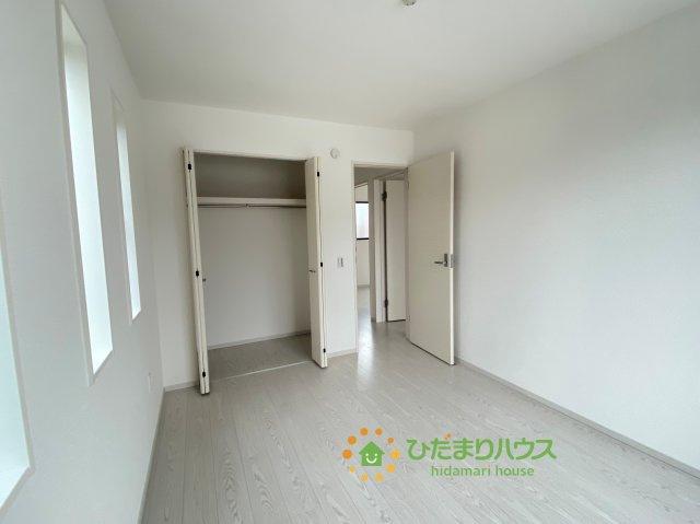 各部屋収納が完備されているので大きな収納家具を買い足さずに済みそうです。