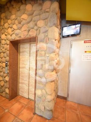 ル・パピヨン2 モニター付きエレベーター