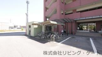 駐輪場 自転車・バイクの駐輪場利用料は不要です。