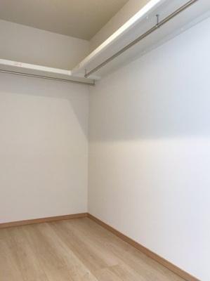 2階の約7.9帖の洋室にはウォークインクローゼットがあります♪