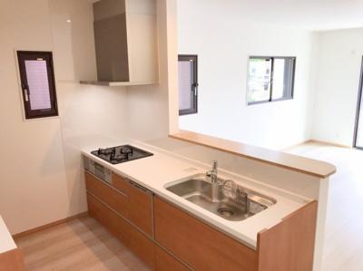 食洗器付きのシステムキッチンで新生活ははじめてみませんか(#^^#)