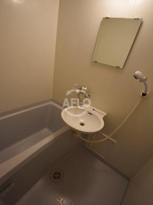吉田ビル 風呂 洗面台