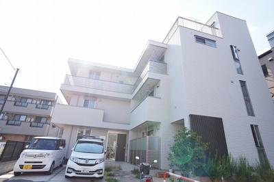 戸田公園駅至近の洗練された高級感ある建物です