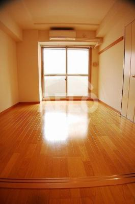 サンライズ 広々とした洋室