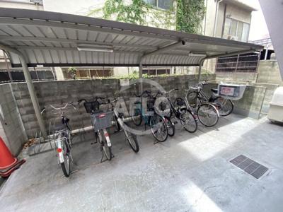 アクアプレイス梅田 駐輪場