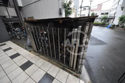 サンクチュアリ北梅田 ゴミ置き場