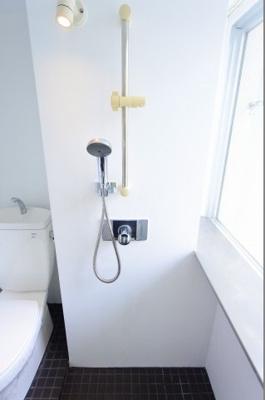 【浴室】是空難波西