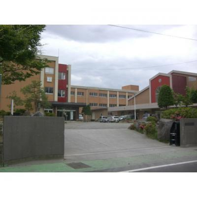 小学校「上田市立南小学校まで982m」