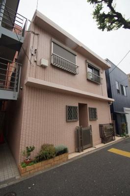 東急多摩川線「多摩川駅」徒歩8分のアパートです。