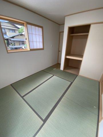 和室には大容量の押入が ※令和3年5月上旬 現地撮影