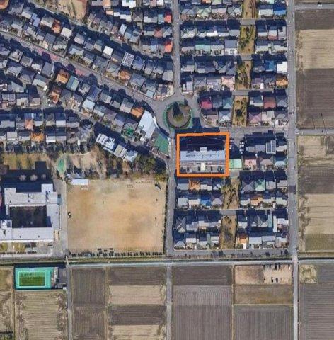 戸塚ニュータウンに位置し、周辺は住宅街です。大和南小学校 徒歩2分、大和中学校 徒歩13分と通学に便利です。