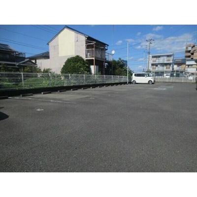 【駐車場】ファミールメゾン河村