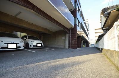 【駐車場】ロイヤルヨシヤマ