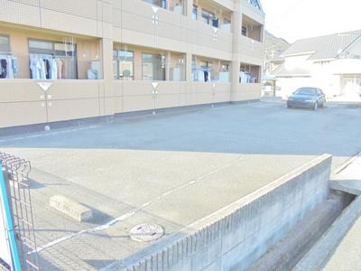 【駐車場】リバーサイド21