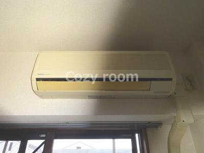 エアコン付きなので助かりますね。