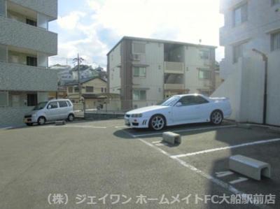 【駐車場】GLOIRE MANSION