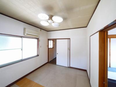 【内装】恋の窪美容室