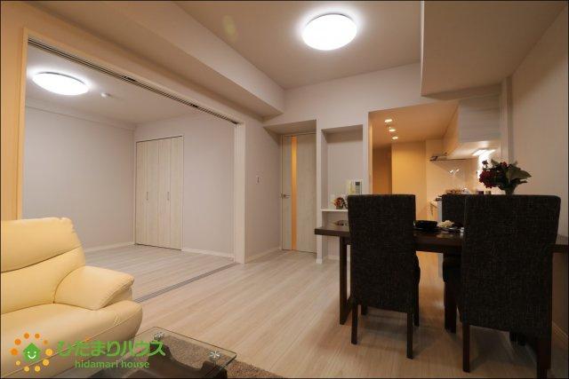 LDと洋室が続き間の為空間を広く演出してくれます。
