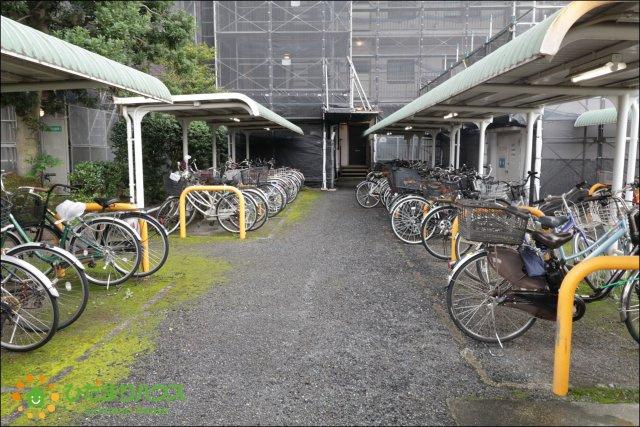 自転車はこちらへお停めいただけます。
