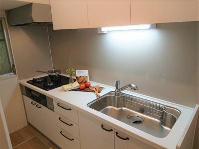 キッチンはお料理に集中しやすい独立型を採用しております。LDへの匂い移りも気になりませんね◎