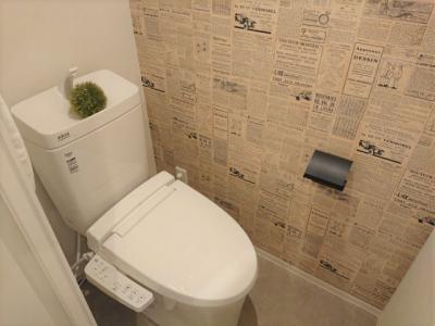 トイレにもアクセントクロスを使用!一部に柄を取り入れるだけでグッとお洒落なトイレになりますね♪