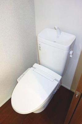 ウォシュレット機能付きトイレ☆