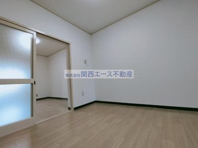 【洋室】ヴィラ西村