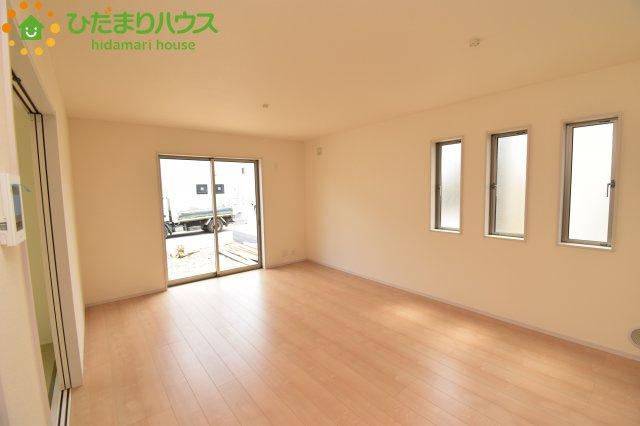 【居間・リビング】鴻巣市吹上 第1 新築一戸建て リーブルガーデン 02