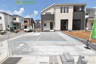 並列3台分の駐車スペースがあります(^^)/