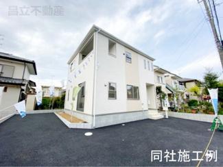 同社施工例です。新京成線「鎌ヶ谷大仏」駅徒歩22分の全2棟の新築一戸建です。